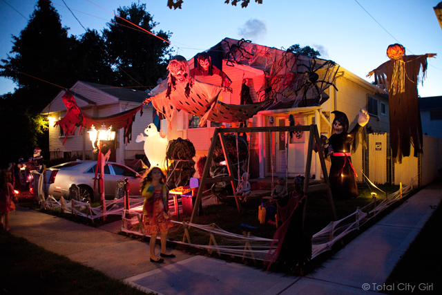 Best Halloween House Ever Photo Tips Total City Girl