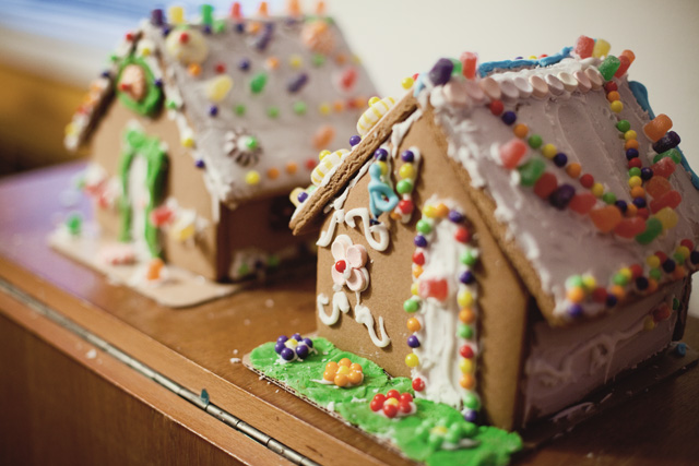 Holiday Tradition:  Decorating Gingerbread Houses