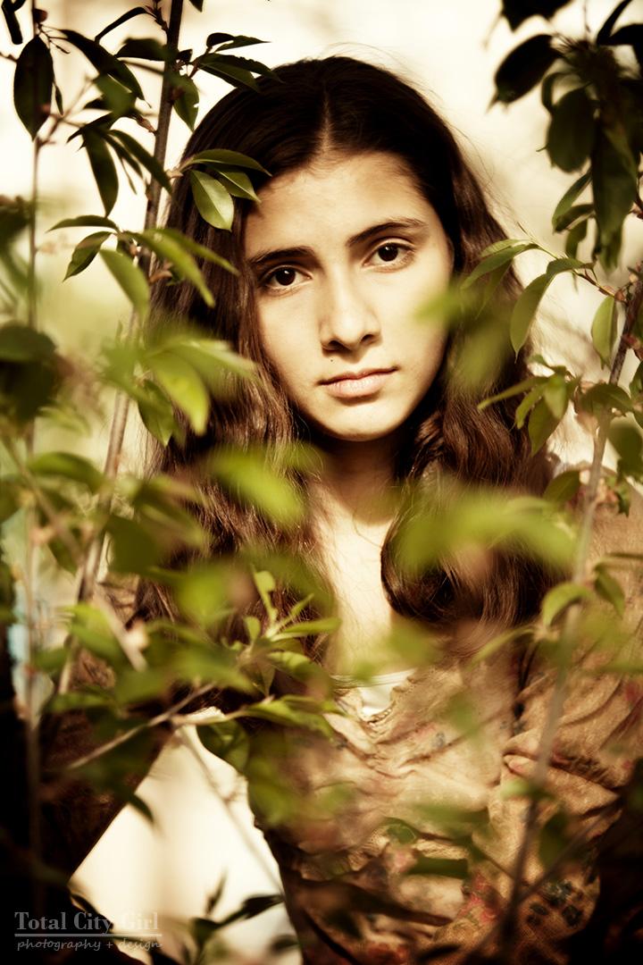 Fairy Tale Photo Shoot - Medieval maiden